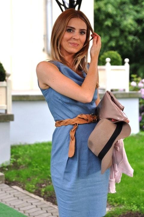 Ubrania poszukuje sukienki niebieskiej asos 38
