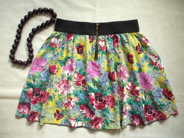 Spódnice MODSTROM mini rozszerzana spódnica zip kwiaty 38
