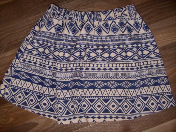 Spódnice niebieskie wzory