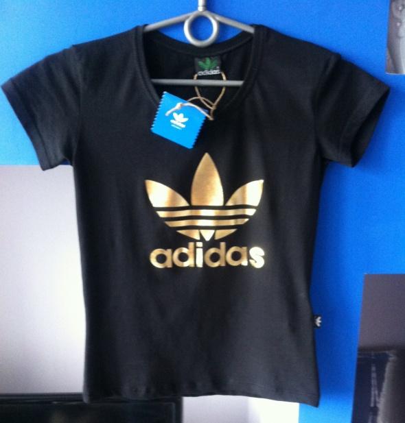 koszulka adidas zlote logo