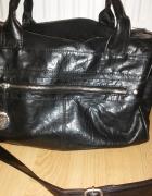 czarny kuferek