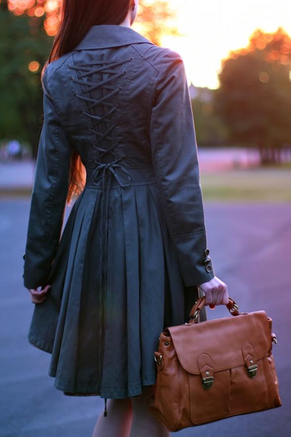 Ubrania asos gorsetowy rozkloszowany płaszcz