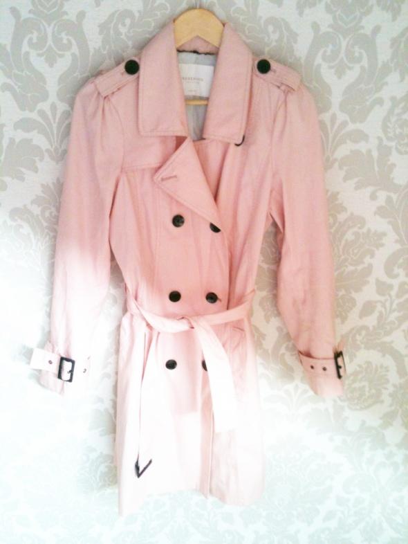 płaszcz pudrowy roż Reserved