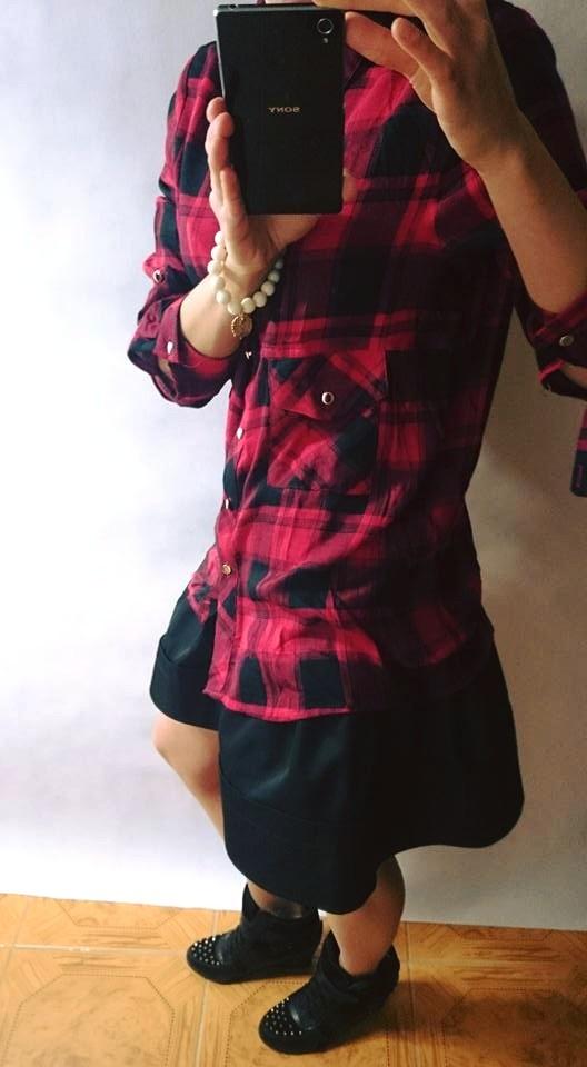 Codzienne Sztywna satynowa spódniczka i koszula w kratę
