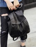 Czarny plecak ćwieki
