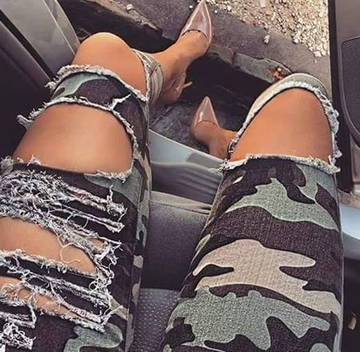 Ubrania Spodnie moro z dziurai