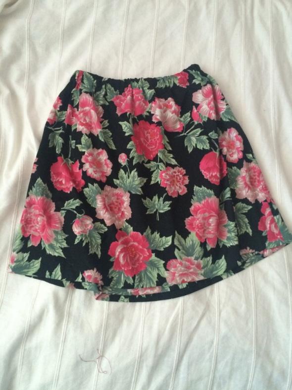 Spódnice spódniczka w kwiaty