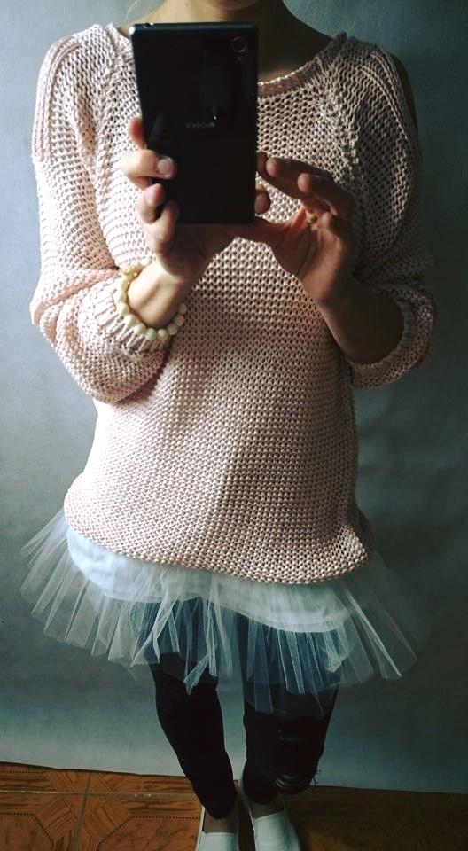 Codzienne Sweterek z odkrytymi ramionami