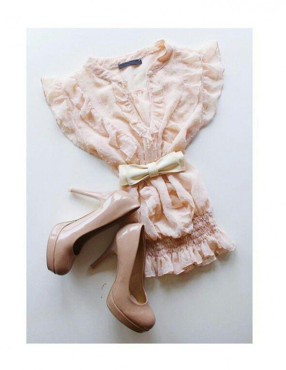 Delikatna bluzka w kolorze pudrowego różu...