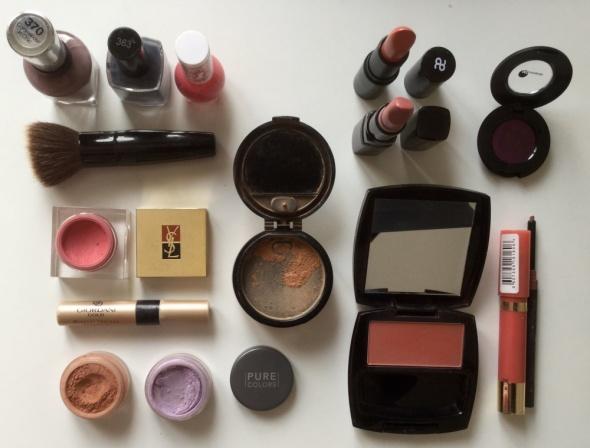 Mega zestaw kosmetykow do makeup i kosmetyczka