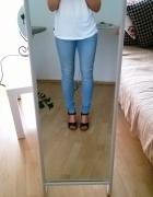 Jasnoniebieskie jeansy Levis W28 L30...