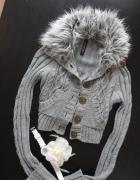 Ultrakrótki ciepły sweterek futrzak River Island