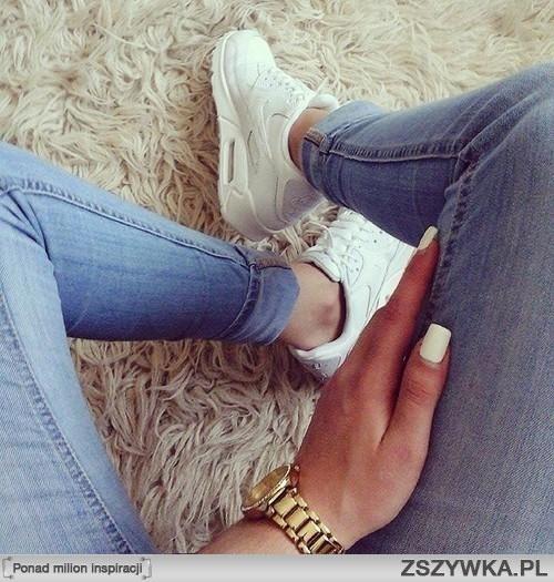 air max damskie białe na nogach