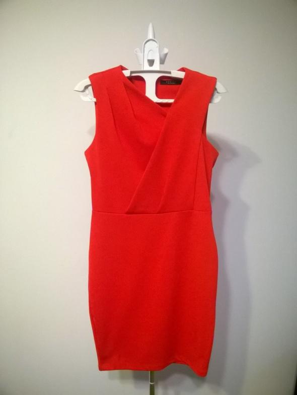 Czerwona sukienka MOHITO XS w Suknie i sukienki Szafa.pl