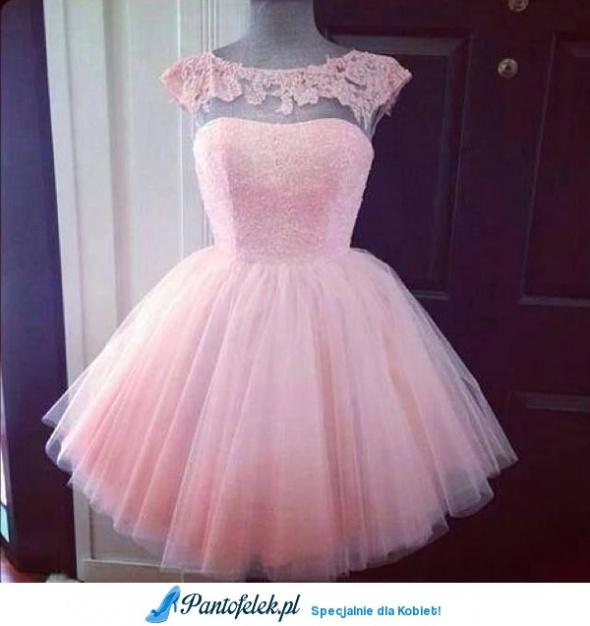 poszukuje sukienki...