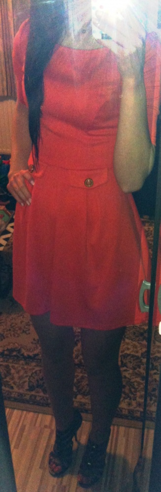 Mój styl rozkloszowana koralowa czerwona sukienka mini