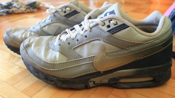 Sportowe Znoszone buty sportowe Nike Air Max