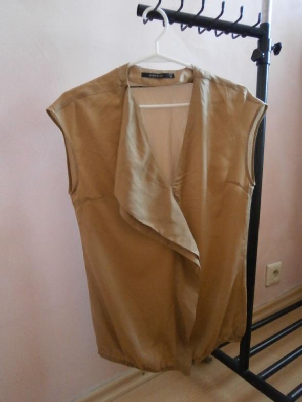 Karmelowa bluzka Reserved falbanka mgiełka
