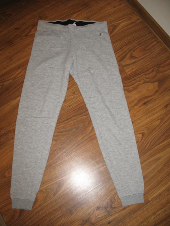 Spodnie dresowe HM m