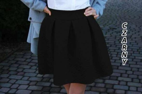 Spódnice czarna spódnica tłoczona klosz