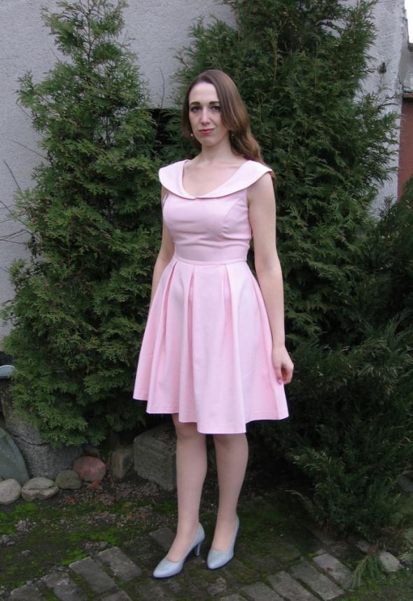 Romantyczne Pastelowa romantyczna sukienka