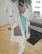 Biały Płaszcz Pikowany