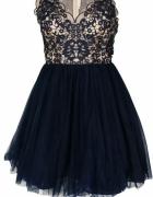 Granatowa sukienka z tiulem...