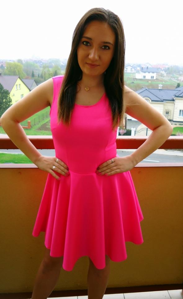 Sukienka Neonowa Rozowa Z Kola Nowa W Suknie I Sukienki Szafa Pl