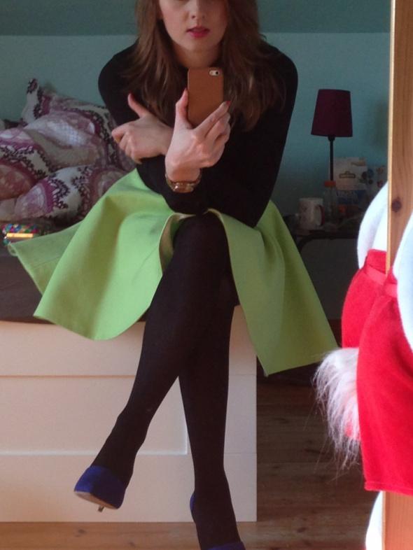 Na specjalne okazje Limonkowa spódnica z koła robi wrażenie