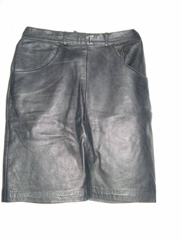 Spódnice taliowana skorzana spodnica