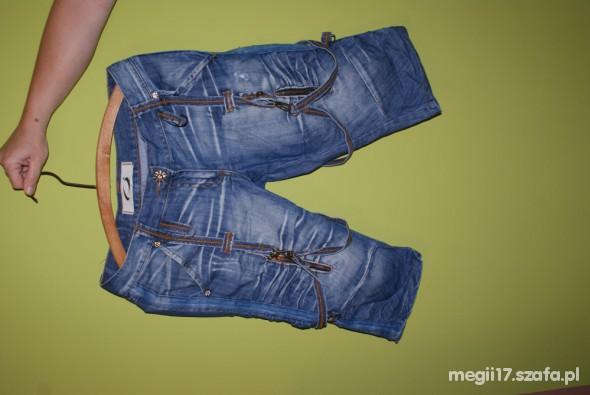 spodnie do kolan z szelkami
