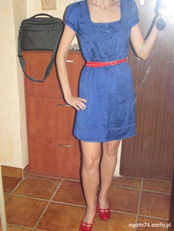 Romantyczne retro kobaltowa sukienka