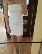 biała sukienka tuba