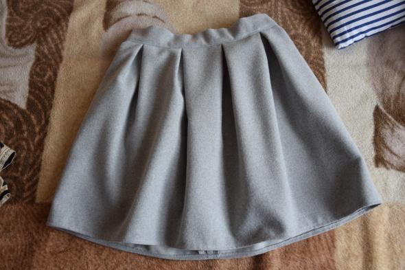 Spódnice Szara rozkloszowana spódniczka