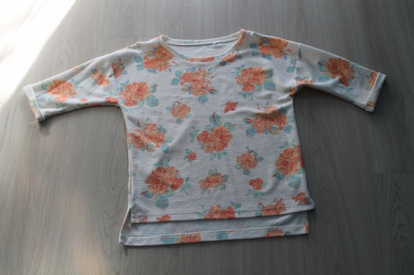 sweterek oversize w kwiatki