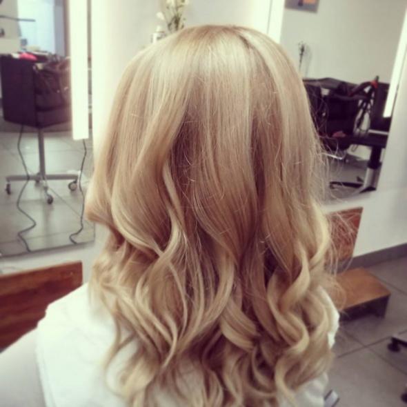 Blond koloryzacja włosów...
