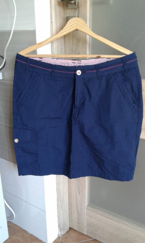 Spódnice Granatowa spódniczka z kieszeniami XL
