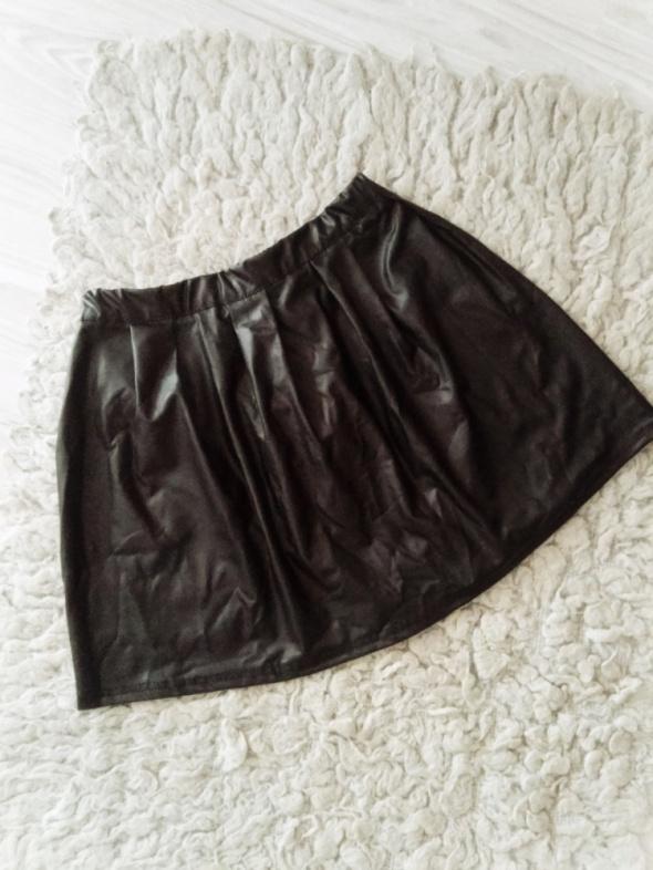 Spódnice Czarna spódniczka skórzana woskowana