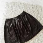 Czarna spódniczka skórzana woskowana