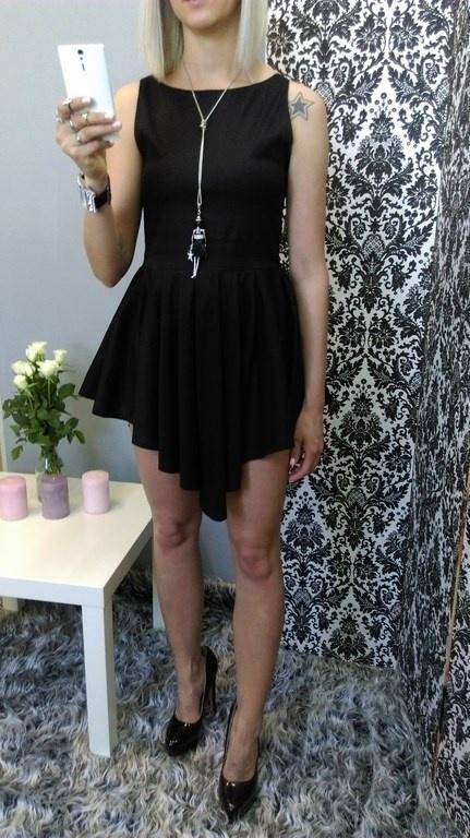 Imprezowe na imprezkę asymetryczna sukienka czarne szpilki
