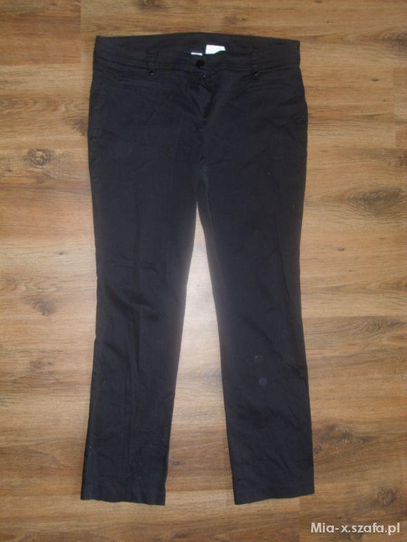 Spodnie Czarne materiałowe spodnie rozmiar 44