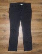 Czarne materiałowe spodnie rozmiar 44