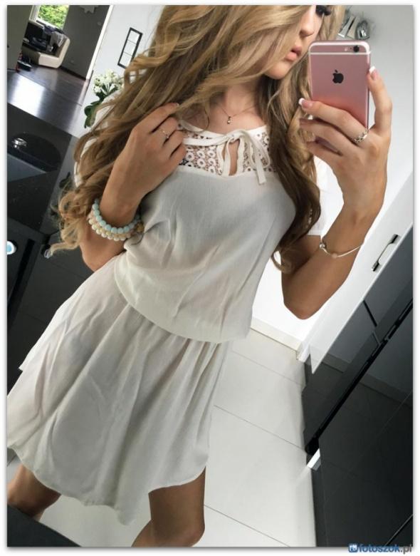 Suknie i sukienki piekna sukienka lekko rozkloszowana koronka
