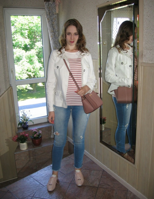 Codzienne Jeansy i marynarska bluzka