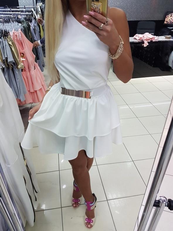 a863e38354 Sukienka Paparazzi Fashion w Suknie i sukienki - Szafa.pl