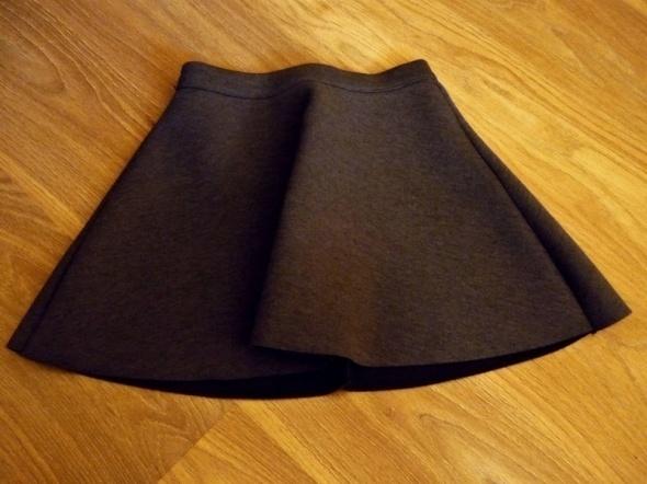 Spódnice Piankowa rozkloszowana spódniczka