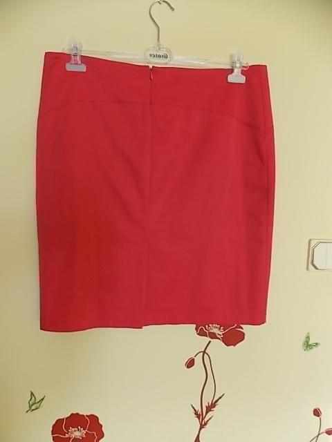 Spódnice Śliczna malinowa ołówkowa spódnica Bardzo modna