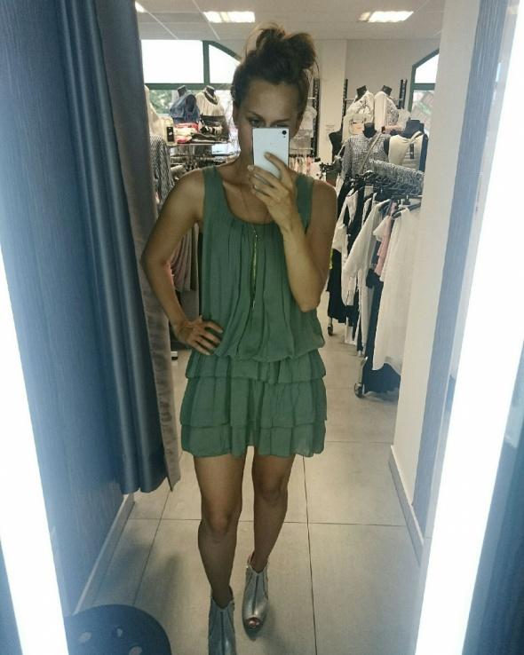 Codzienne sukienka khaki na upalne dni od Moda For You