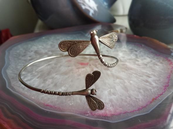 niesamowita srebrna bransoletka ważki