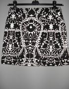 czarno biała spodniczka we wzory H&M